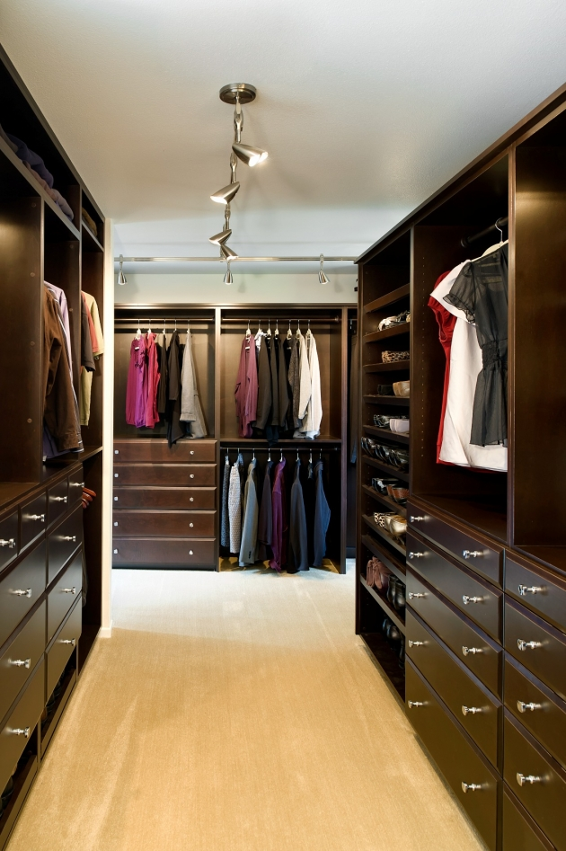 Bathroom And Walk In Closet Designs Delectable Juicy Couture Store  Juicy Couture Photos And Couture Design Ideas