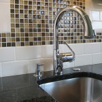 kitchen-faucet-close-up-068