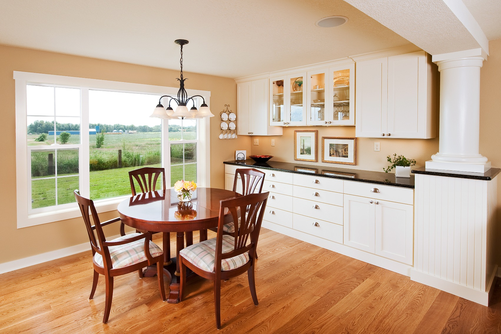 Eat in kitchen furniture Hgtv Powell Construction Featured In Powell Construction Powell Construction Featured In