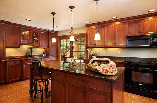 This Corvallis kitchen design is functional, luxurious, and welcoming.