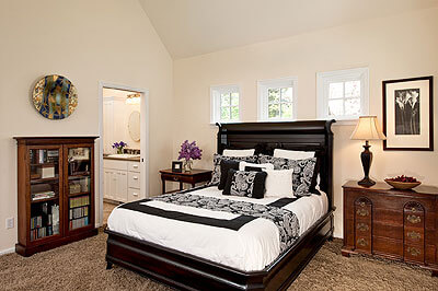 The master bedroom has an adjoining bath and walk-in closet.