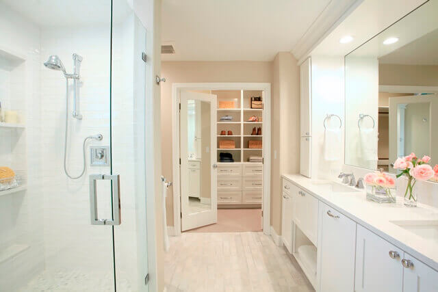 The color palette of this master bath remodel creates fresh, bright ambience.