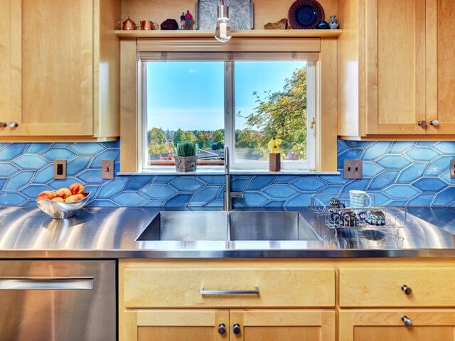 Integrated stainless steel sink and stainless steel countertops
