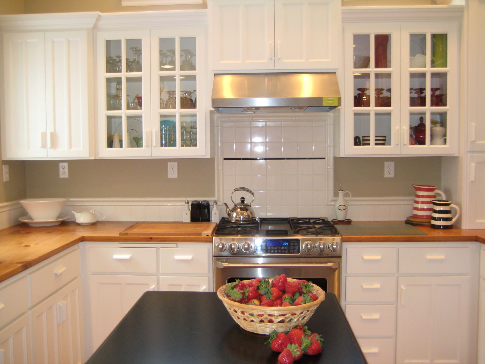Innovative kitchen remodeling ideas include blind corner optimizers to maximize storage in corner cabinets.